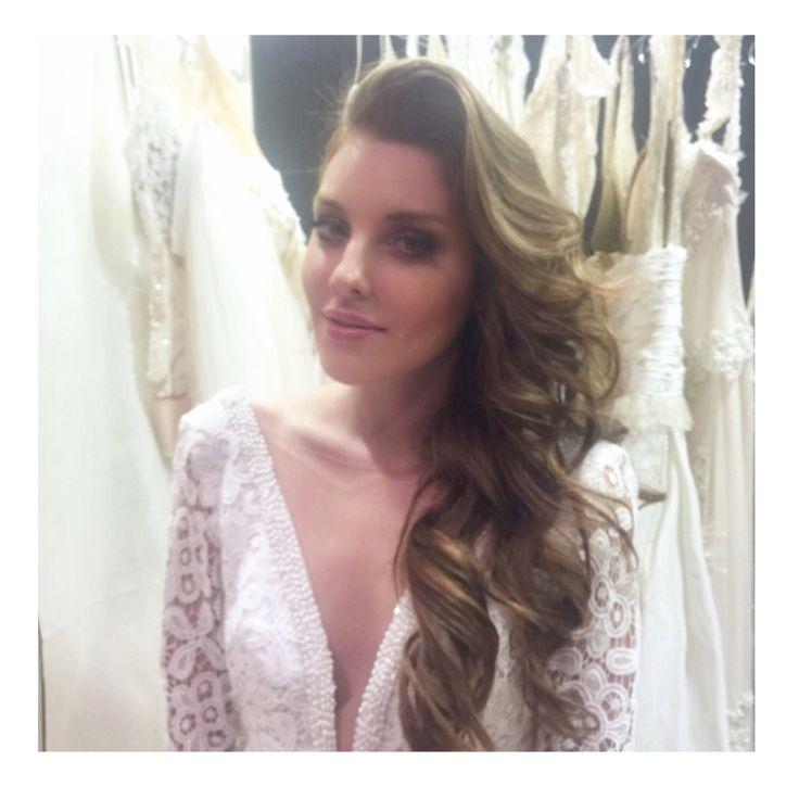 #backstage #bridalcollection #ss16 @mairi_mparola soon the #original from @rchive_wedding_photography #model @catherine_gali #hairstyling #makeup by me