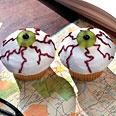 Eyeball CupcakesHalloween Desserts, Eyeb Cupcakes, Halloween Parties, Eyeball Cupcakes, Food, Halloween Cupcakes, Halloween Treats, Halloween Ideas, Cupcakes Rosa-Choqu