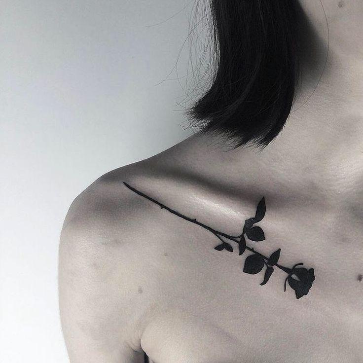 tatouage-rose-noire-3d-clavicule-femme | ink your soul | pinterest