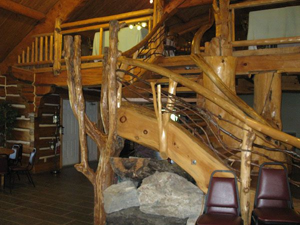 Timber Run's clubhouse is one of the largest, most dramatic log structures found in Ontario, with 6400 square feet on the main floor and 3000 more in the loft.