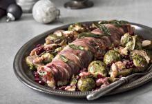 Possun sisäfilee saltimbocca ja ruusukaaligratiiniomenasalaatti | Koti ja keittiö