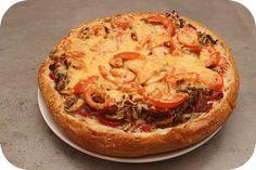 Op dit eetdagboek kookblog : Ingrediënten: 1 ui, 1 flinke teen knoflook, 1 theelepel sambal, 150 gram gehakt, 125 gram champignons, 1 Turks brood, tomatenketchup, 2 tomaten, plakjes ch
