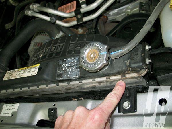 jeep Tj Lj Wrangler radiator Leak Photo 32707845