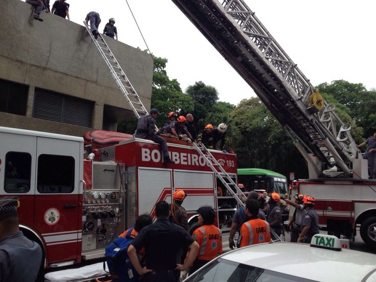 São Paulo: Homem cai de telhado na estação República do Metrô, no centro de SP