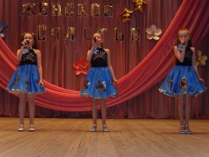 Сценические костюмы для детской вокальной группы