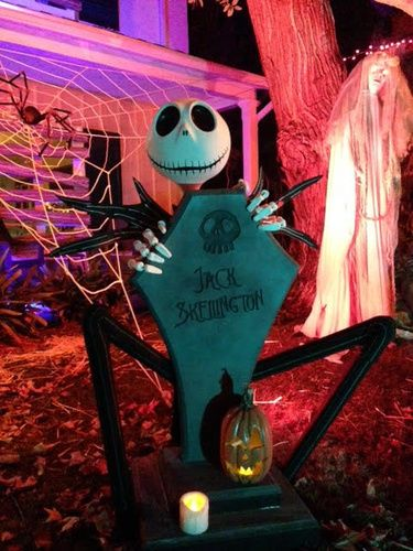 Halloween Forum member SavageEye Halloween cemetery build jack skellington