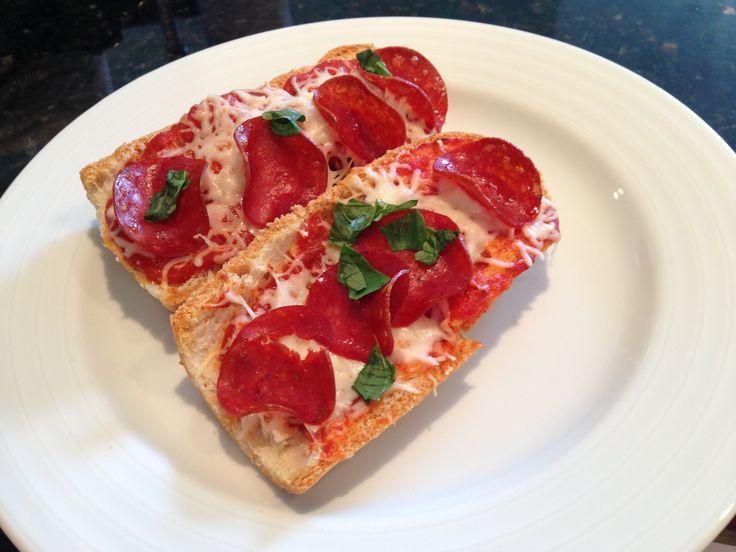 Gluten Free French Bread Pizza: French Bread Pizza, Bread Pizza Duh, Gf French, Bread Pizza Yum, Bread Pizza Easy, Breads, Gluten Free, Bread Pizza I