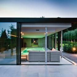 Overdekt zwembad met KELLER minimal windows in Messelbroek