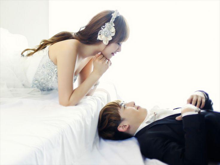 """Nichkhun & Victoria (""""We got married'')"""