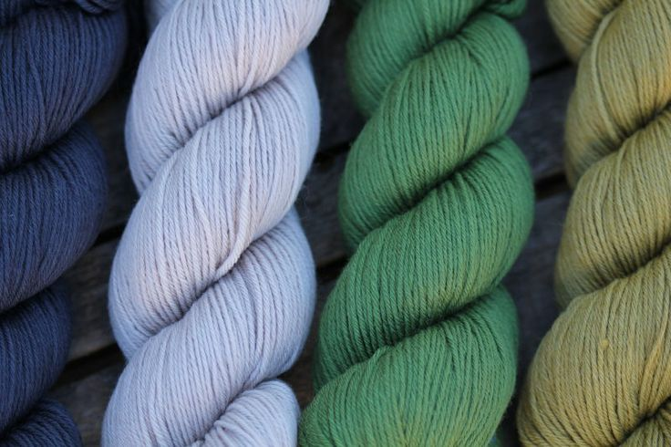 Rosy Green Wool vom Spinnwebstube Online Shop- GOTS, fairtrade, organic yarn