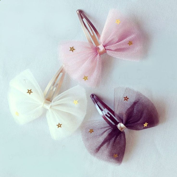 Hair Clips - Tulle Bow Hair Clip is made from a beautiful pink / brown / ivory tulle bow with gold star sequins embellished. The snap clip is 50mm in length.Pick one of these style for your 1 piece package : Vanilla / Berry Pink or Chocolate.