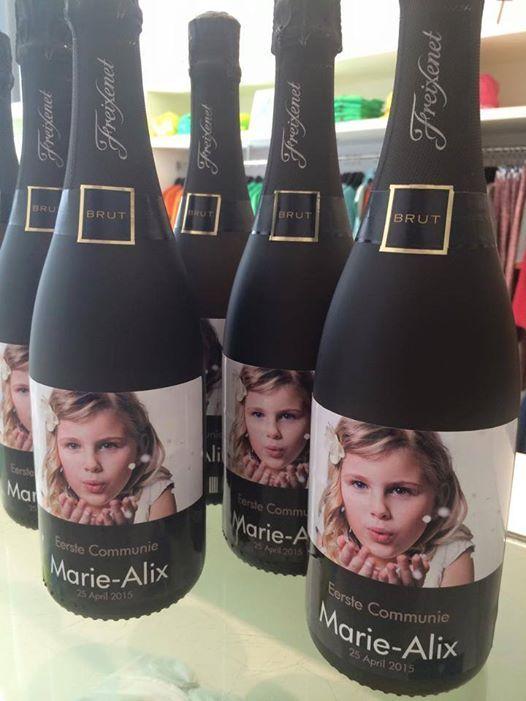 Photo: San Van Havere via Facebook / Étiquettes personnalisées pour bouteilles / Remerciements Communion