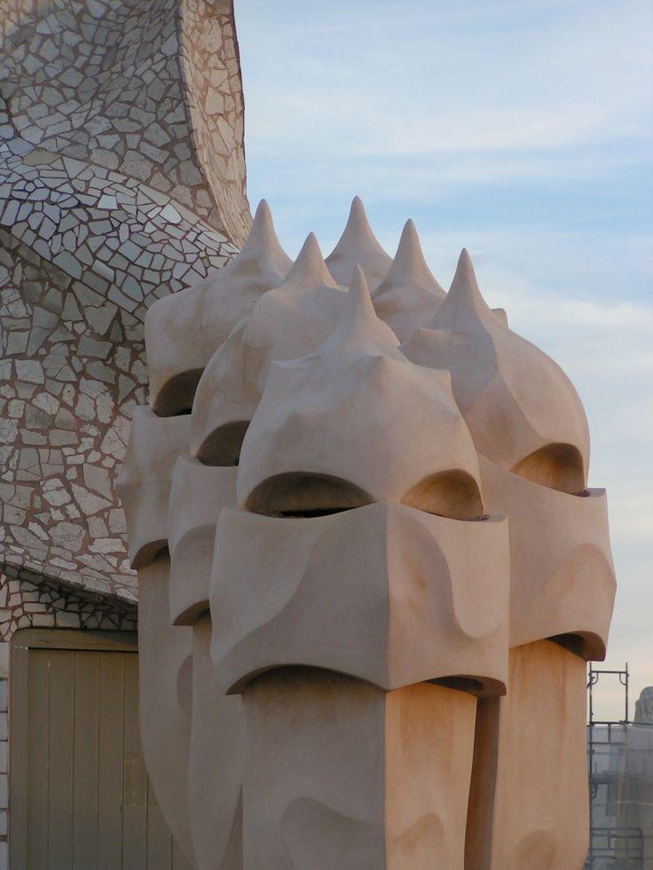 In 1984 werd La Pedrera, samen met andere werken van Gaudí, erkend als werelderfgoed door de UNESCO.