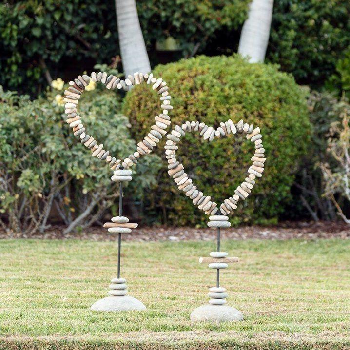 17 Amazing Diy Heart Decorations For Garden My Desired Home Garden Stand Decorative Garden Stakes Stone Heart