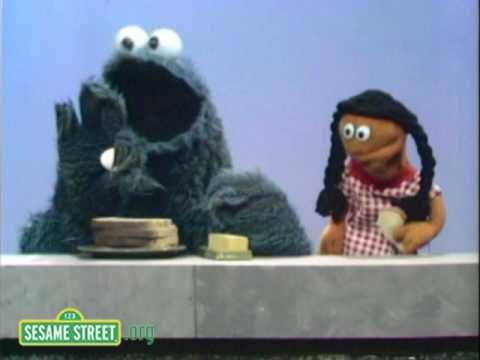 Sesame Street: Cookie Monster Makes A Sandwich - YouTube