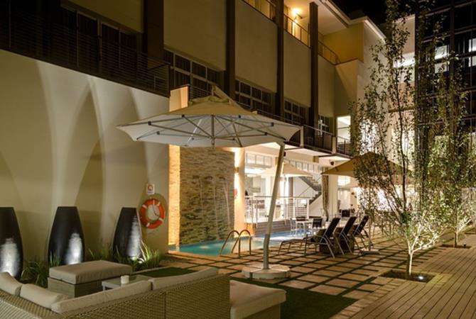 http://www.south-african-hotels.com/hotels/protea-hotel-upington/