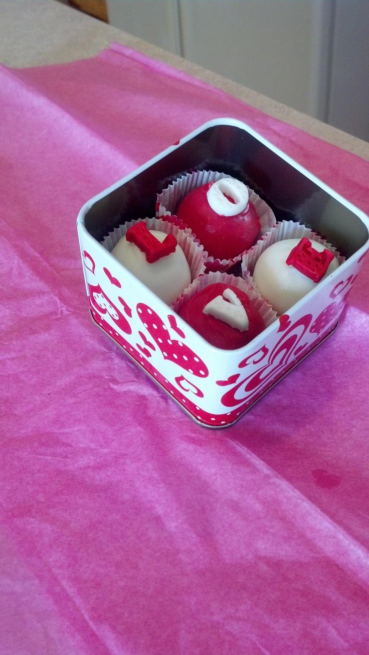 Tin of Valentine's Day cake balls | Valentine's Day | Pinterest