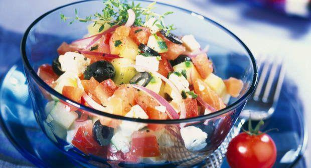 Salade de pommes de terre à la grecqueVoir la recette de la Salade de pommes de…