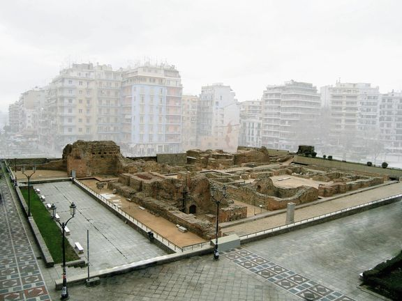 ● Thessaloniki - Galerius Palace Complex - In the modern center of the city lies the beaitiful Roman past of Thessaloniki!  ● Θεσσσαλονίκη Ανάκτορα Γαλερίου (Παλάτι Γαλέριου) - Στο σημερινό κέντρο της πόλης αποκαλύπτεται το όμορφο παρελθόν της Ρωμαϊκής Θεσσαλονίκης!  ● #thessaloniki #galerius #emperor #roman #galerian #complex #palace #travel #archaeology #θεσσαλονικη #ανακτορα #γαλεριου #ρωμαικη #αρχαιολογια #παλατι #ελλαδα #tourism #travel