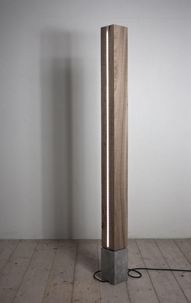 CAPRICE.10 lampada da terra in olmo vecchio massiccio e cemento solid wood…
