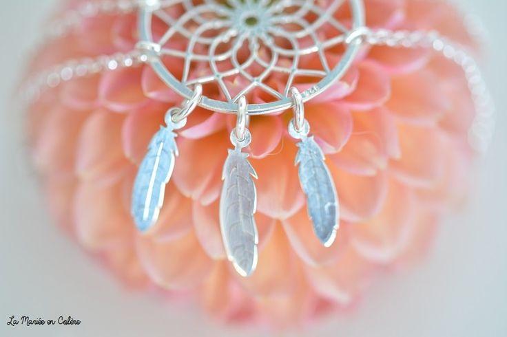 Pour une maman, pour une jeune mariée ou les témoins de mariage, découvrez les jolis bijoux personnalisés de Onecklace...