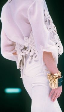 Gianfranco Ferre Vintage Fashion show details
