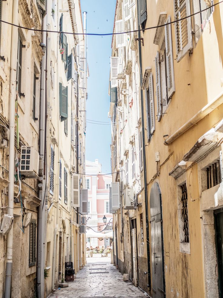 Corfu / Old Town / Greece / Travel nooraandnoora.com