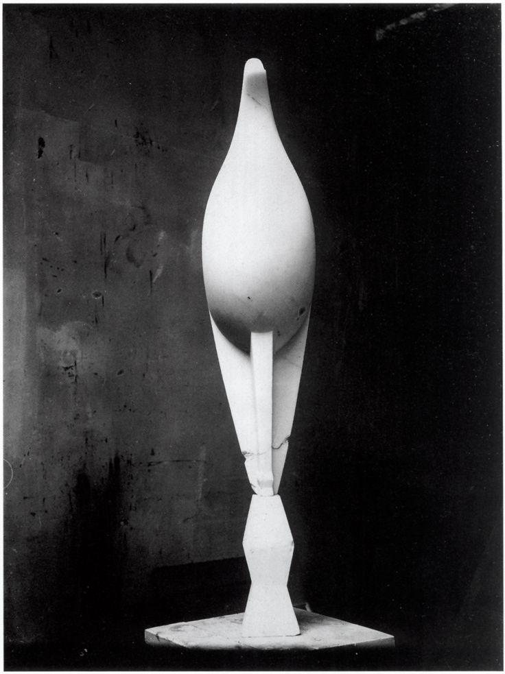 Constantin Brâncuși, Maiastra, white marble, 1915 - 1918