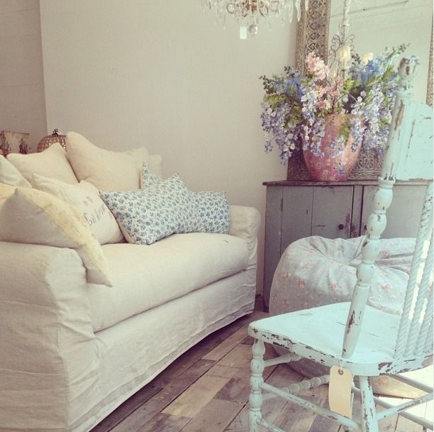 17 best ideas about shabby chic couch on pinterest oversized chair mantle shelf and shabby. Black Bedroom Furniture Sets. Home Design Ideas