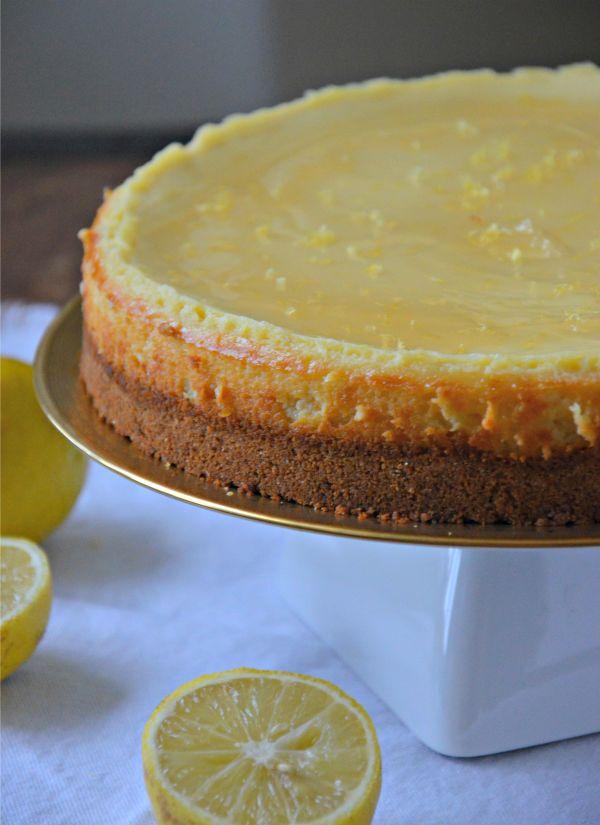 Lemon Cheesecake Recipe | mountainmamacooks.com #easter #cheesecake