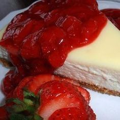 """Supreme Strawberry Topping 