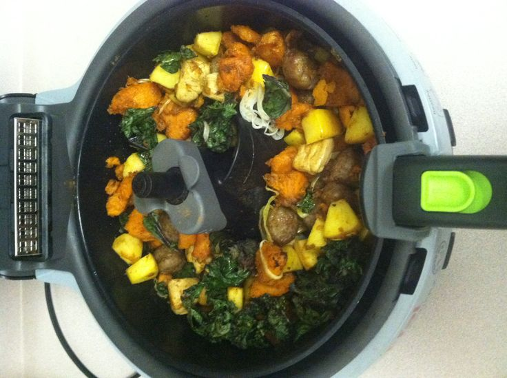 Actifry sweet potato hash: sweet potato, chicken, sausage, kale, onions, apples tossed with cinnamon and curry powder.