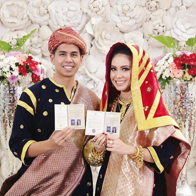 ❤️ 14.05.16 ❤️ #imarriedmybestfriend #deaudiakhirnyahalal #kotogadang #wedding #latepost #bride #pernikahan #tradisional #indonesia