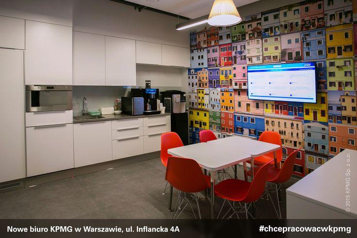 W biurze #KPMG w Warszawie znajdują się m.in. 32 sale konferencyjne wyposażone w inteligentny system rezerwacji, liczne miejsca przystosowane do pracy zespołowej i wyciszone budki telefoniczne. #kpmgwwarszawie #kpmginwarsaw #nowebiuro #newoffice #inflancka #chcepracowacwkpmg #kariera #praca
