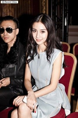 アンジェラベイビーがパリコレで魅力発散!恋人シャオミンと密会も…?―香港