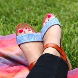 Makeover a pair of cheap sandals in about 30 with these easy tutorial. (via Paper & Stitch)