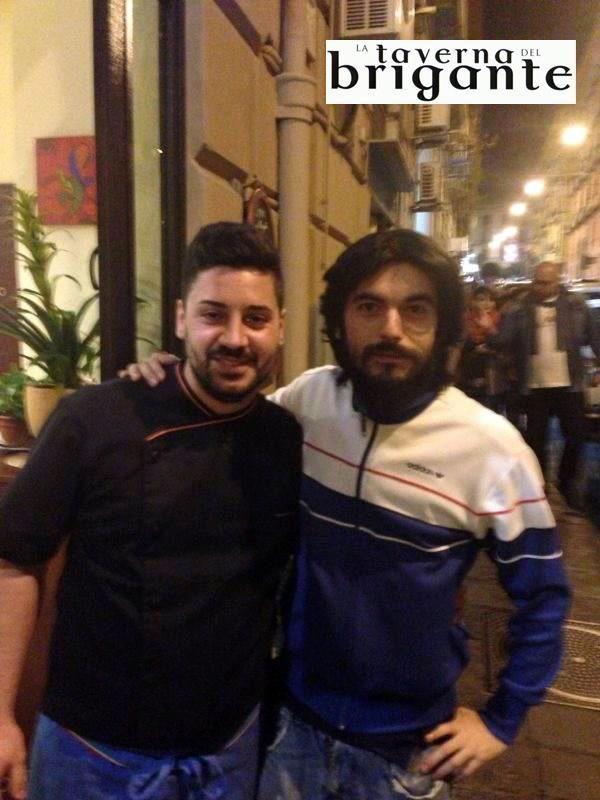 Gino Fastidio dal Brigante!  Ristorante Napoli La Taverna Del Brigante www.latavernadelbrigantenapoli.it