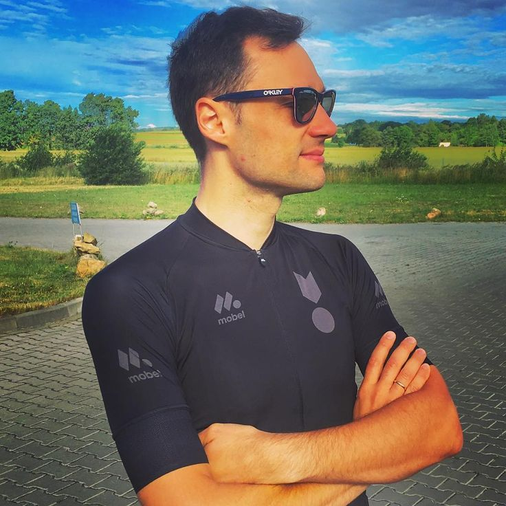 Looks to the future!  #future #commingsoon #sportswear #szosa #roadbike #cyclismo #rower #mobelsportpl #mobelsport #koszulkakolarska #instacycling #garmin #biketour #biketeam #strava #stravabike