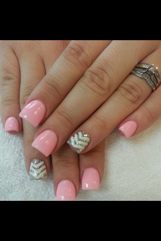 love the color and design! I wouldn't mind having my nails painted like this! :)  #acrylic #nails #pink