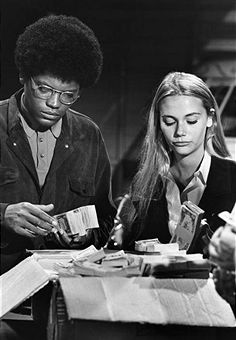 SQUAD - 'My What a Pretty Bus' 10/8/68 Clarence Williams III, Peggy Lipton