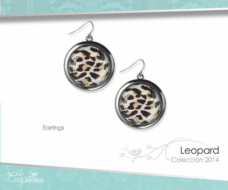 Estos aretes complementan el conjunto Leopard. Discos con estampado de leopardo. Son en forma de gancho. www.lacoqueteria.co #earrings #aretes #accesories #beautiful #lacoqueteria  #fashion #shoppingonline #tiendaenlinea #mexico #accesorios