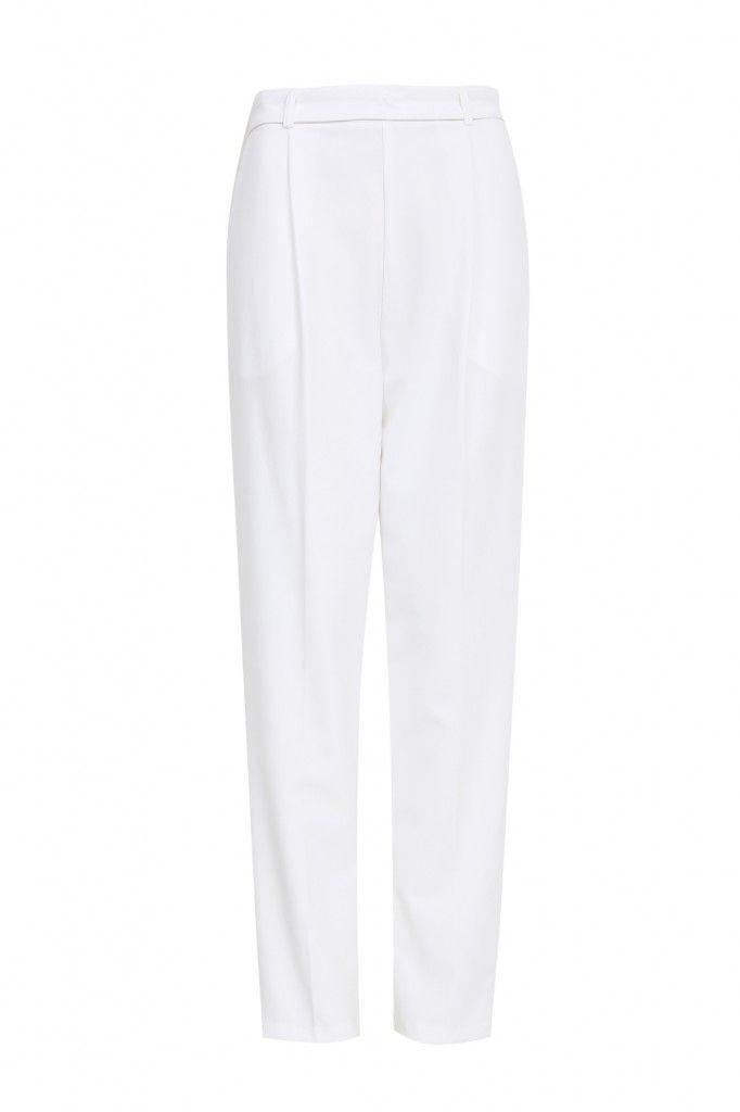 Las prendas de París con más estilo para los looks de trabajo  PANTALONES Y SHORTS > http://www.colettemoda.com/categoria-producto/estilo/pantalones-estilo/  #colettepalencia #moda #estilo #paris #rebajas