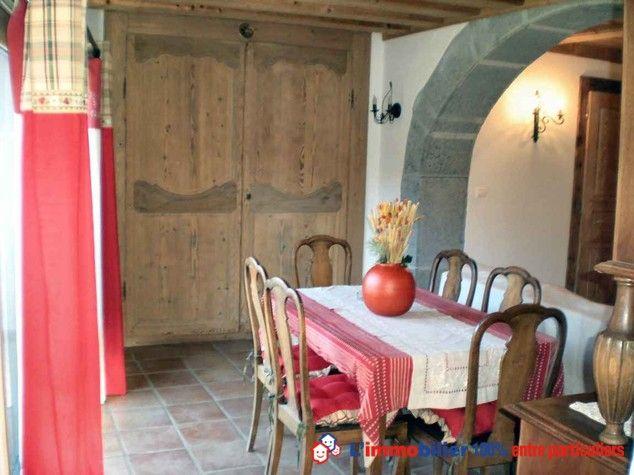 Trés bel appartement entierement rénové,matériaux de qualité,situé dans une maison à caractere historique au coeur du village de Samoëns,ski (265KMde pistes) trés lumineux, 4chambres,grand sejour,à 1h de Genève,Chamonix,Annecy. A decouvrir. #appartSamoens #bienHauteSavoie #appartementski #appartementMontagne  http://www.partenaire-europeen.fr/Annonces-Immobilieres/France/Rhone-Alpes/Haute-Savoie/Vente-Appartement-F5-SAMOENS-788531