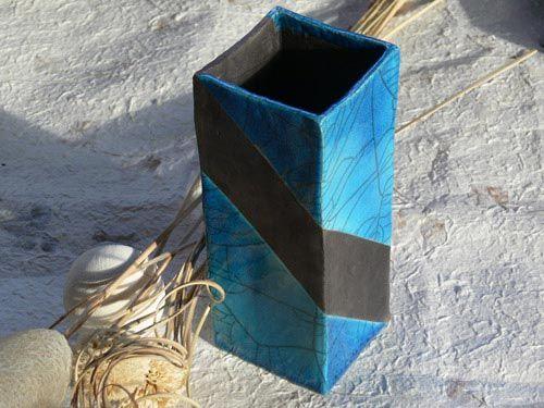 Vaso raku quadrato blu persia con fascia nera - NonSoloraku.net