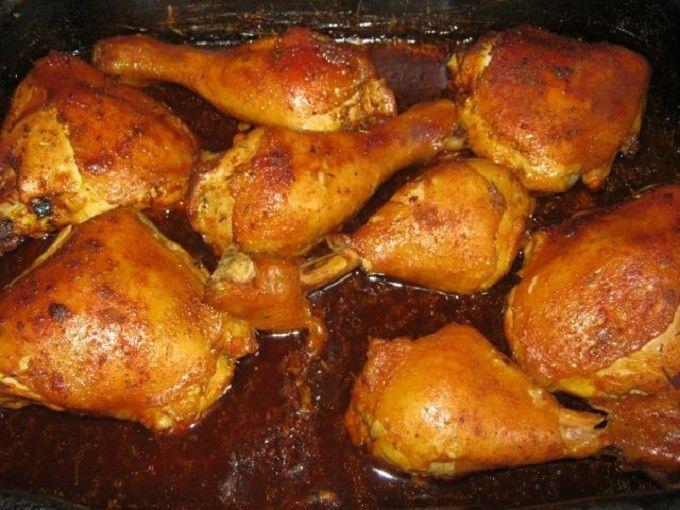A fokhagyma és a rozmaring teszi ízletessé a húsokat. Nagyon könnyű recept, de a végeredmény egyszerűen csodás!  Hozzávalók:  8 csirkecomb 8-10 gerezd fokhagyma 1 teáskanál…