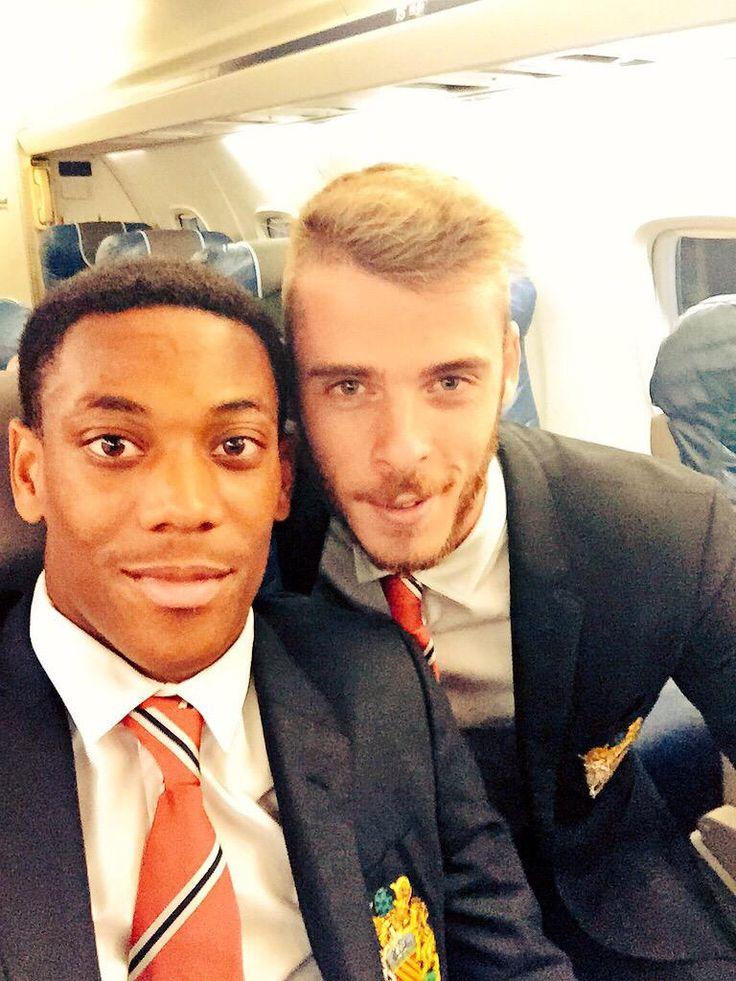 Anthony Martial & David de Gea after win at Southampton