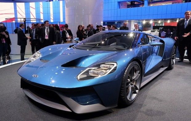 The New Ford GT Is Detroit's Sexiest Supercar Yet [VIDEO] Link: http://dailycaller.com/2015/01/12/the-new-ford-gt-is-detroits-sexiest-supercar-yet/