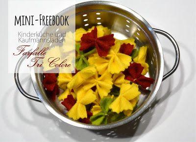Essen/ Zubehör für die Kinderküche: Plätzchen, Teebeutel, Brotzeit (Wurst, Käse, Gemüse, Salat), Gemüse, Nudeln, Fisch