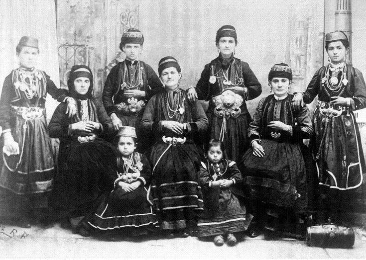 Korytsa farsangi, fotó: Manakia Brothers