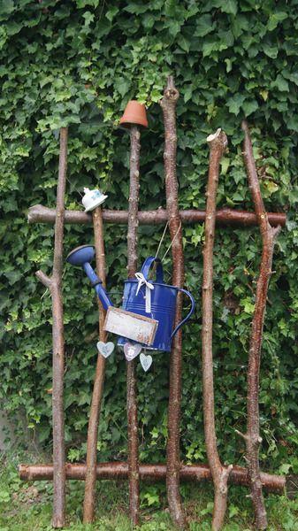Gartendekoration - Ein Hingucker....rustikaler Zaun...Sichtschutz - ein Designerstück von Holzmariechen bei DaWanda